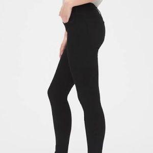 Gap mid rise skinny jeans in 'Sculpt'